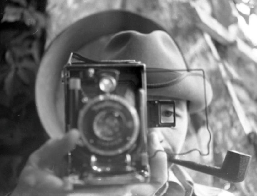 Валентин Хрущ с фотоаппаратом. Архив В.Рябченко