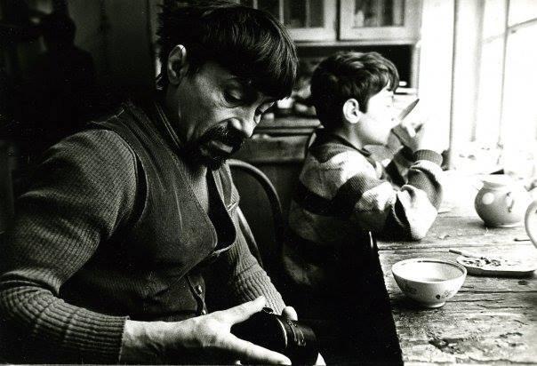 Фотография Валентина Хруща с сыном Димой.